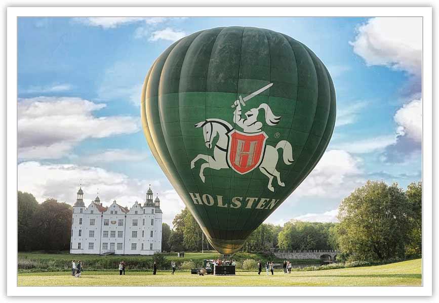 Ballonfahrt Kreis Stormarn - vor dem Start am Ahrensburger Schloß