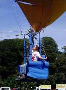 Fliegender Sessel in der Luft