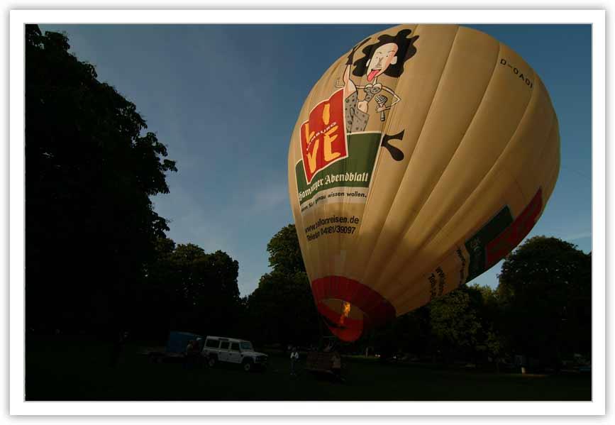 Aufrüsten - der Heißluftballon erhebt sich
