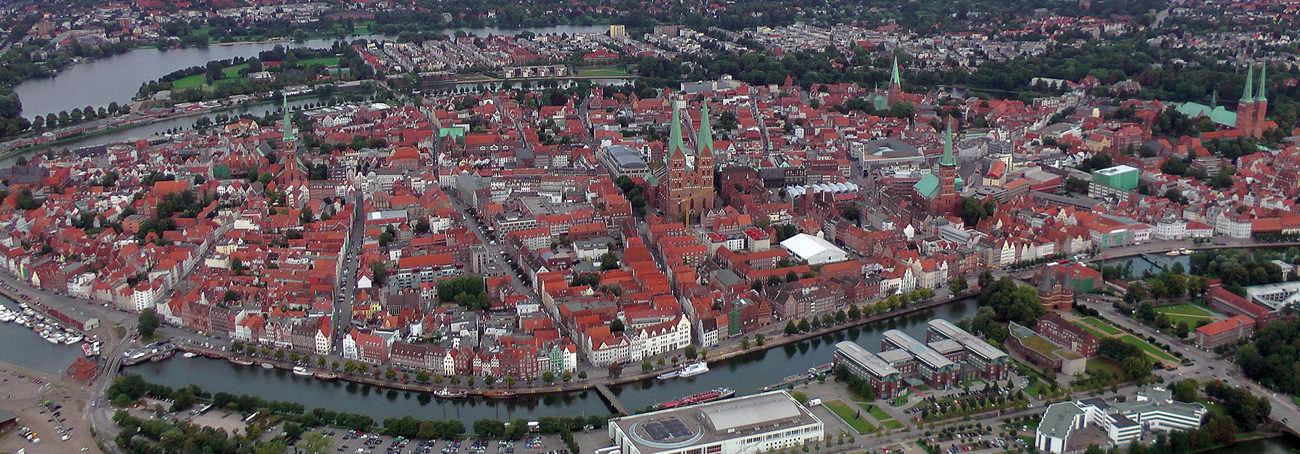 Ballonfahrt Lübeck - Schönberg mit Blick auf die Altstadt