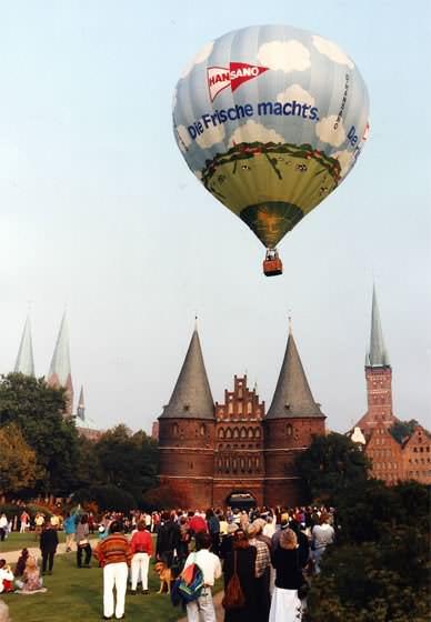 Werbung auf Heissluftballonen